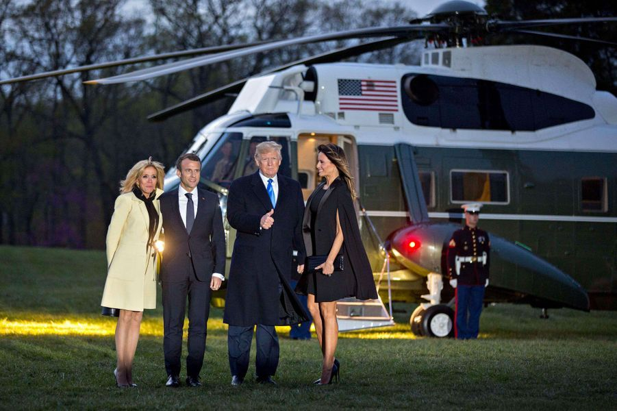 Les couples Macron et Trump s'apprêtent à quitter Mount Vernon à bord de l'hélicoptère Marine One, lundi.