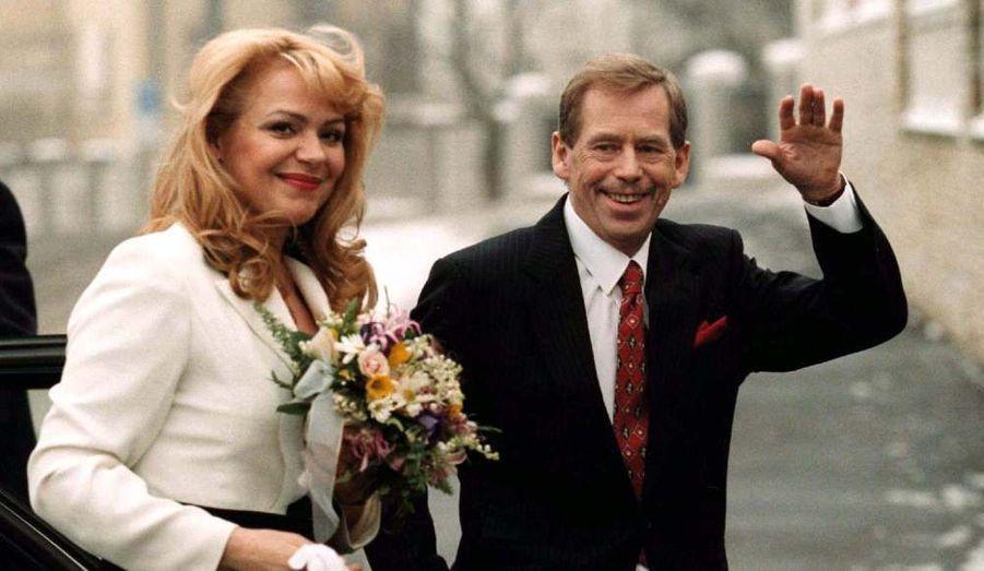 En 1997, il épouse en secondes noces l'actrice Veskrnova.