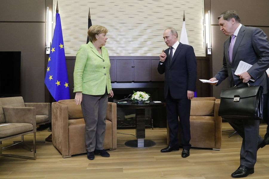Angela Merkel etVladimir Poutine à Sotchi, le 2 mai 2017.