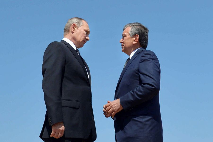 Le président russe Vladimir Poutine s'est rendu à Samarcande, dans le sud-ouest de l'Ouzbékistan, où a été enterré samedile président ouzbek Islam Karimov, mardi 6 septembre.