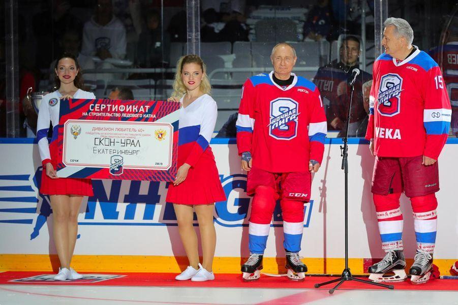 Vladimir Poutine a participé à un match de hockey à Sotchi, le 10 mai 2019.