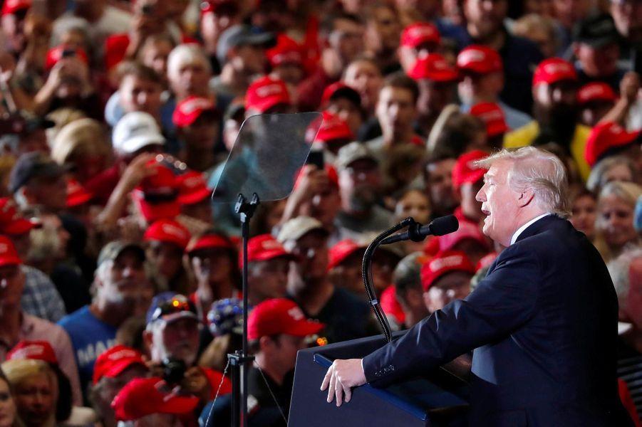 Donald Trump à l'aéroport de Pensacola, en Floride, le 3 novembre 2018.