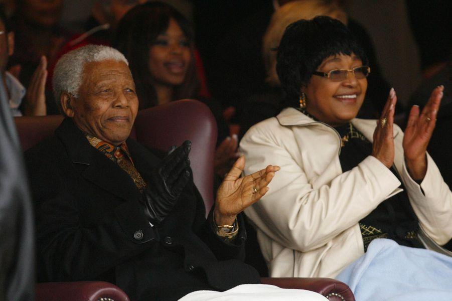 Winnie et Nelson Mandela, en août 2008.