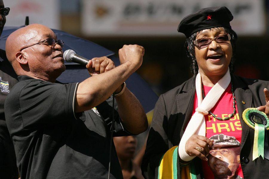 Jacob Zuma etWinnie Mandela, en avril 2009.