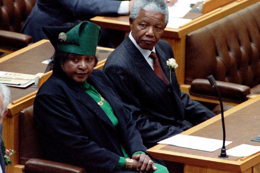 Winnie et Nelson Mandela, en mai 1994.