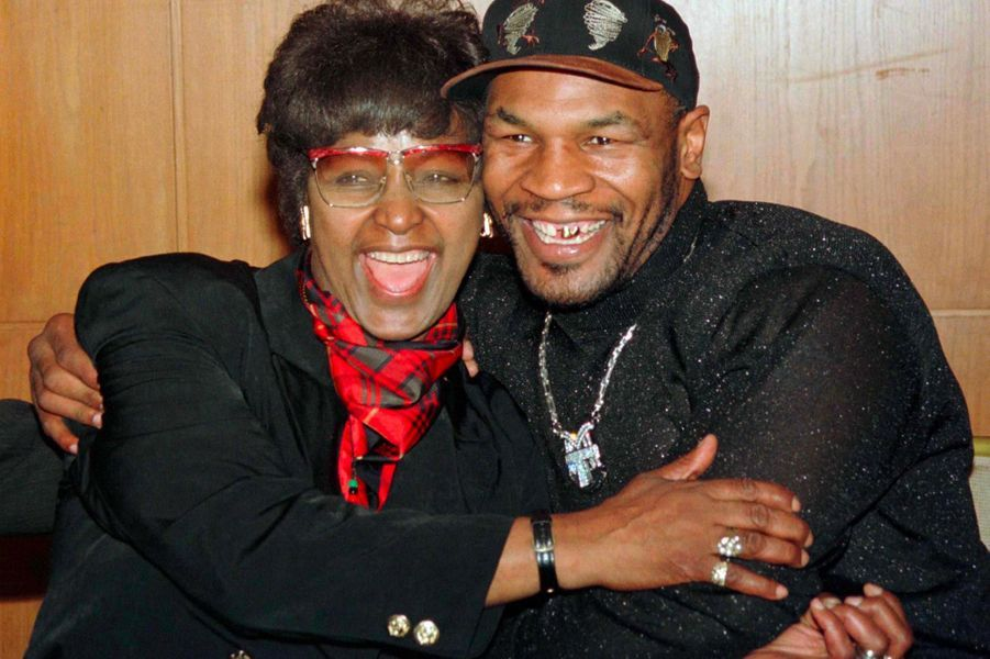 Winnie Mandela et Mike Tyson, en octobre 1997