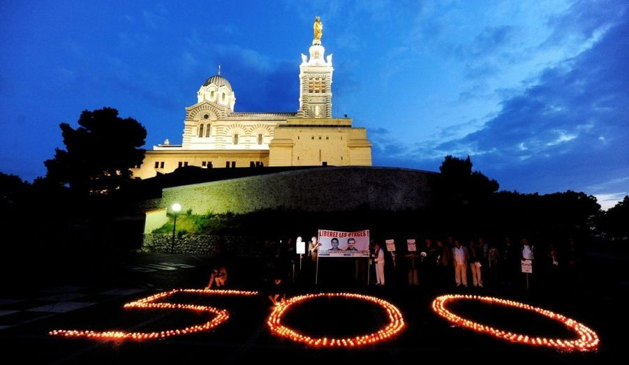 Le 13 mai 2011. Cinq cent bougies ont été disposées par le Club de la presse Marseille Provence.