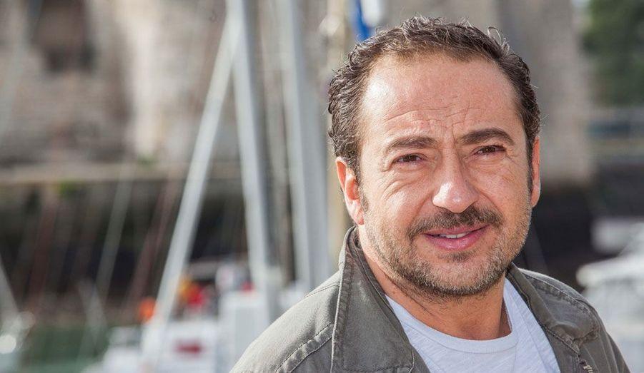"""Le comédien a dévoilé en avant-première """"L'Innocent"""", qui sera diffusé le 26 septembre sur France 2."""