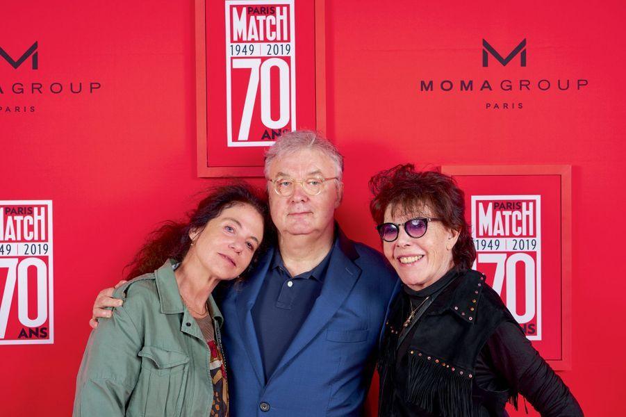 Natacha Krantz, directrice de Mercury, Dominique Besnehard et la chanteuse Dani.