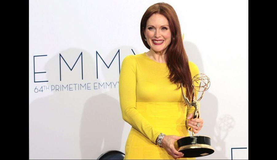 """L'actrice a emporté le trophée du meilleur rôle féminin dans un téléfilm pour """"Game Change"""", dans lequel elle incarne Sarah Palin."""