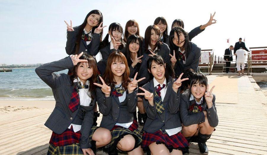 Le MIPCOM, grand marché des programmes de la télévision, se déroule actuellement à Cannes. Le groupe japonais AKB48 a fait le déplacement sur la Croisette.