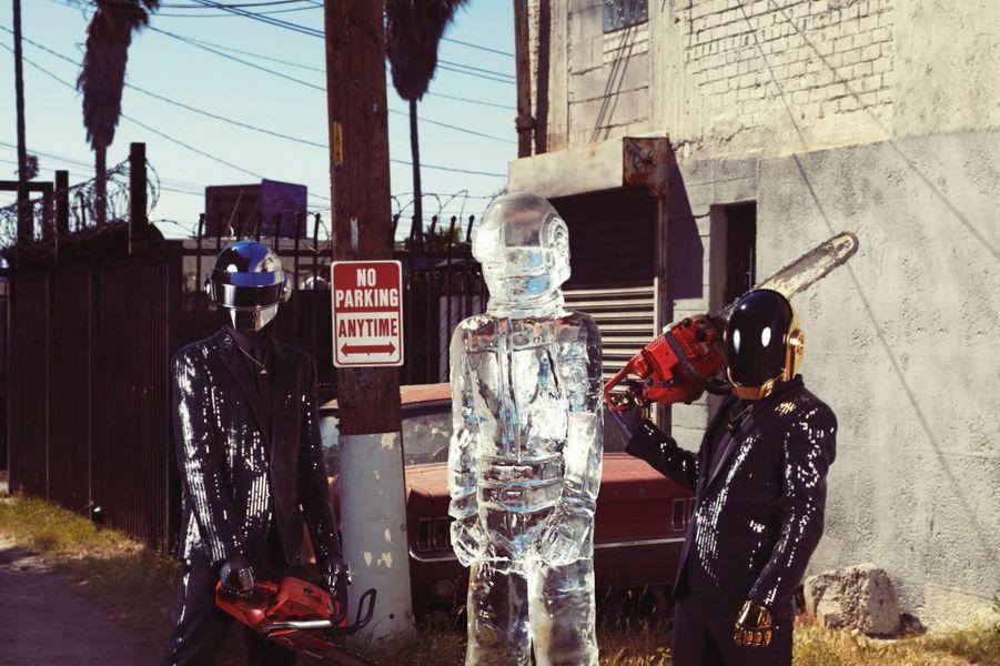 Les Daft Punk, pour leur grand retour, ont cassé la baraque avec leur tube planétaire «Get Lucky». Impossible de ne pas l'avoir entendu ces derniers mois.Notre rencontre avec les Daft Punk