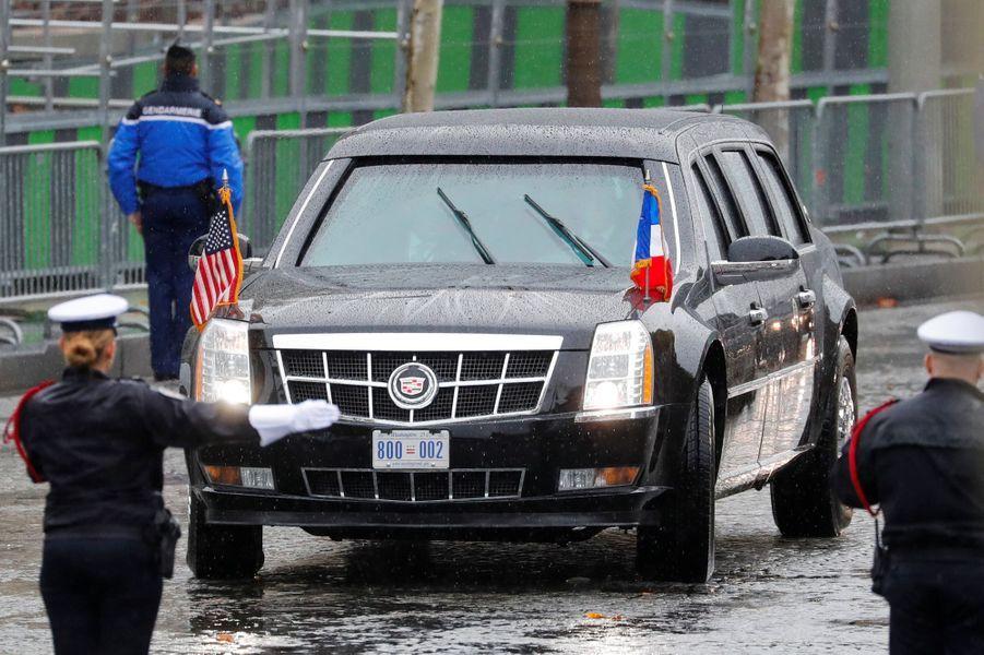 L'arrivée de limousine noire de Donald Trump.