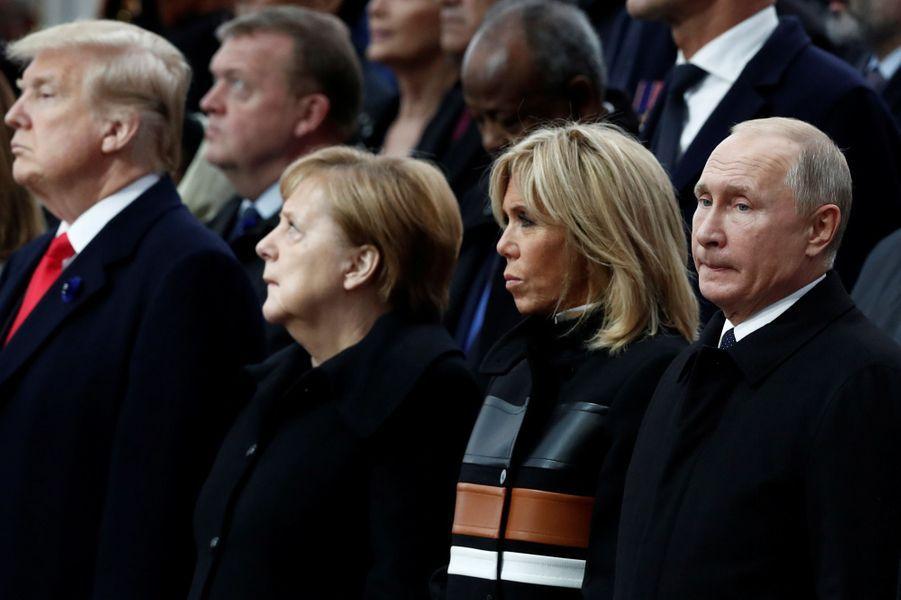 Donald Trump, Angela Merkel, Brigitte Macron et Vladimir Poutine à la cérémonie.