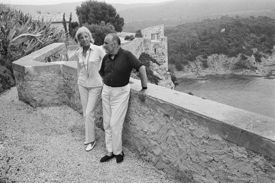 Claude et Georges Pompidou en vacances au fort de Brégançon.