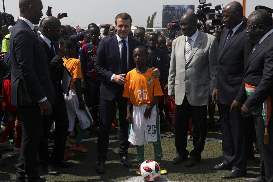 Emmanuel Macron à Abidjan, le 21 décembre 2019.