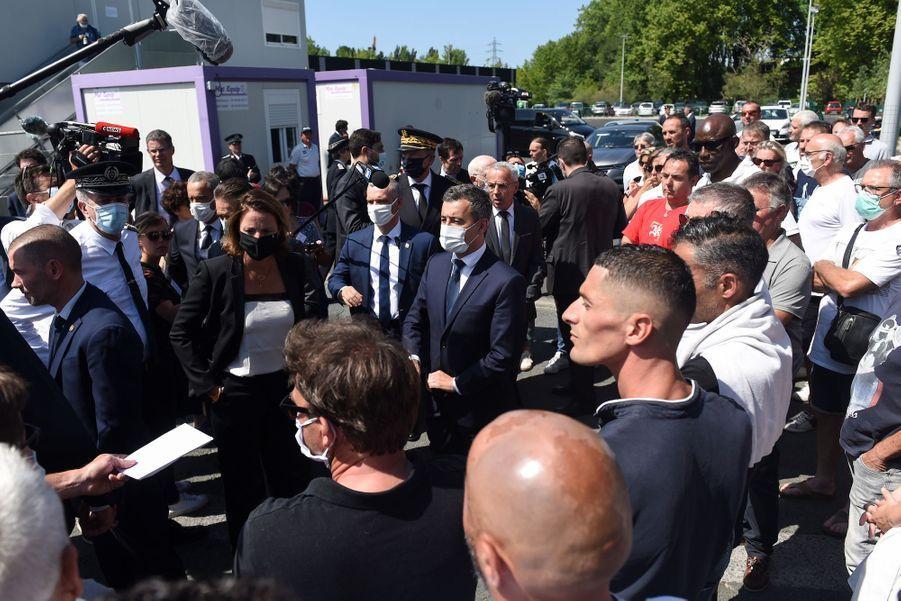 Gérald Darmanin à la rencontre de conducteurs de bus à Bayonne, le 11 juillet 2020.