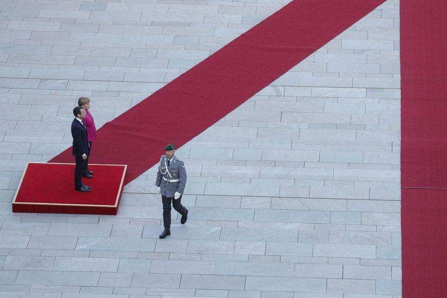 Angela Merkel et Emmanuel Macron à Berlin, lundi.