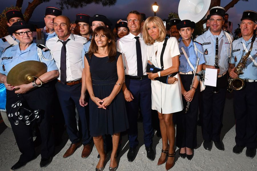 Le président Emmanuel Macron et son épouse Brigitte Macron samedi àBormes-les-Mimosas