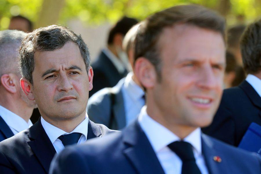 Emmanuel Macron (avec Gérald Darmanin) lors de sa visite à Chambord le 22 juillet 2020