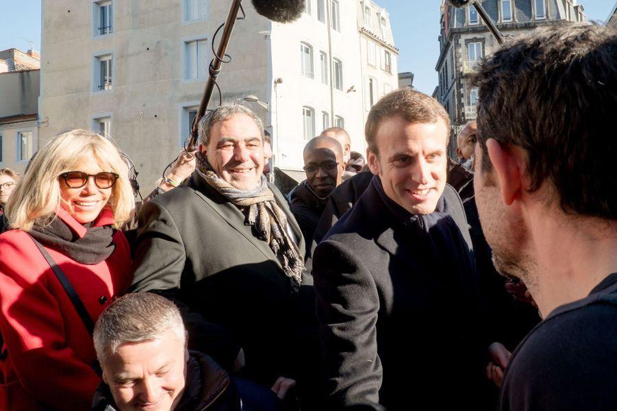 Brigitte Trogneux et Emmanuel Macron à Clermont-Ferrand, le 7 janvier 2017.