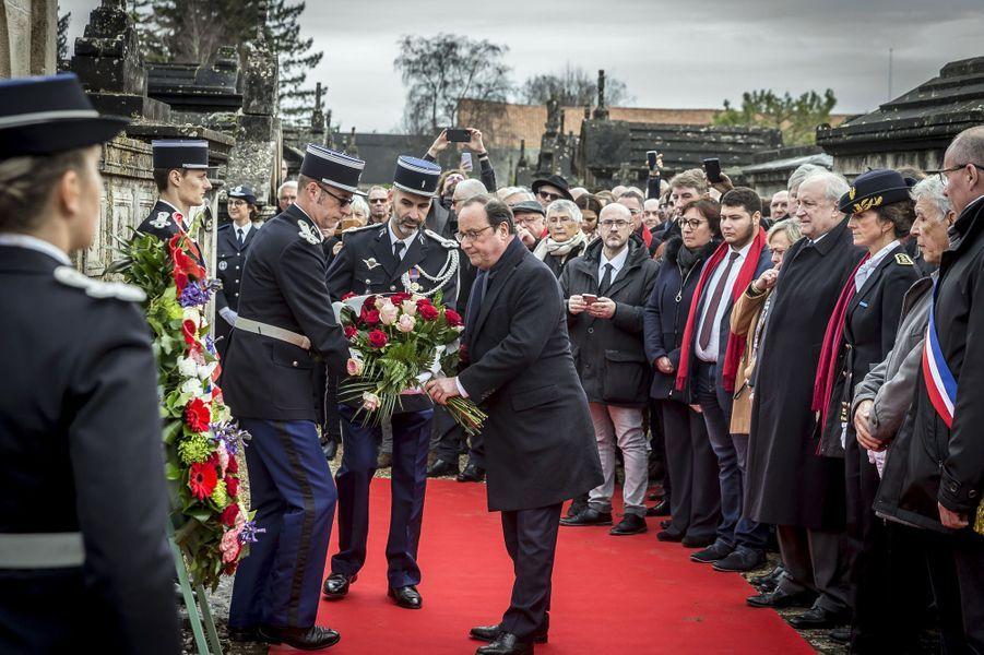 François Hollandes'est rendu à Jarnac mercredi, pour l'anniversaire de la mort de François Mitterrand, décédé le 8 janvier 1996.