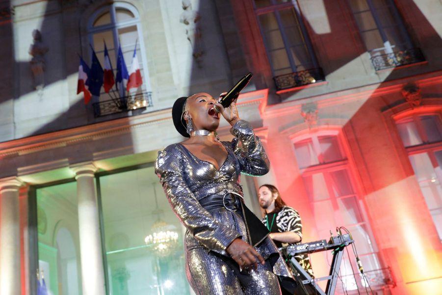 Pongo sur scène pour la deuxième fête de la musique de l'Elysée.