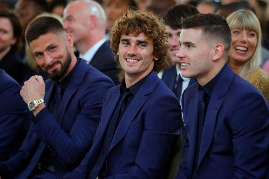 Giroud, Griezmann et Hernandez à l'Elysée mardi.