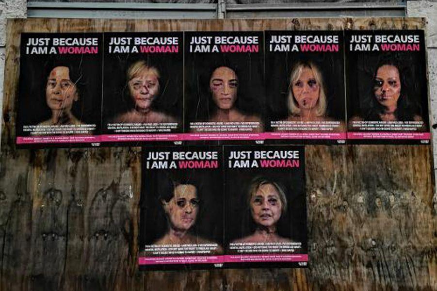 La campagne«Just because I am a Woman» de l'artisteAleXsandro Palombo placardée dans les rues de Milan.
