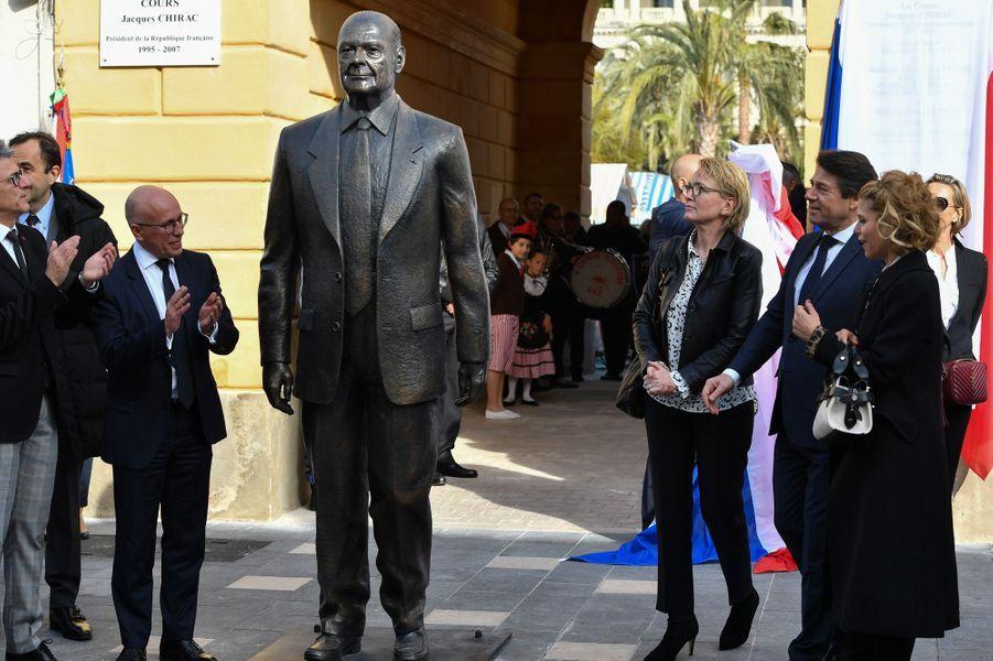 """Inauguration samedi à Nice du """"Cours Jacques Chirac"""", en présence de sa fille Claude, ici aux côtés d'Eric Ciotti (à gauche) et de Christian Estrosi et son épouse Laura."""