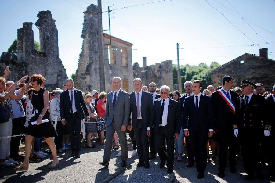 Visite des ruines d'Oradour-sur-Glane.