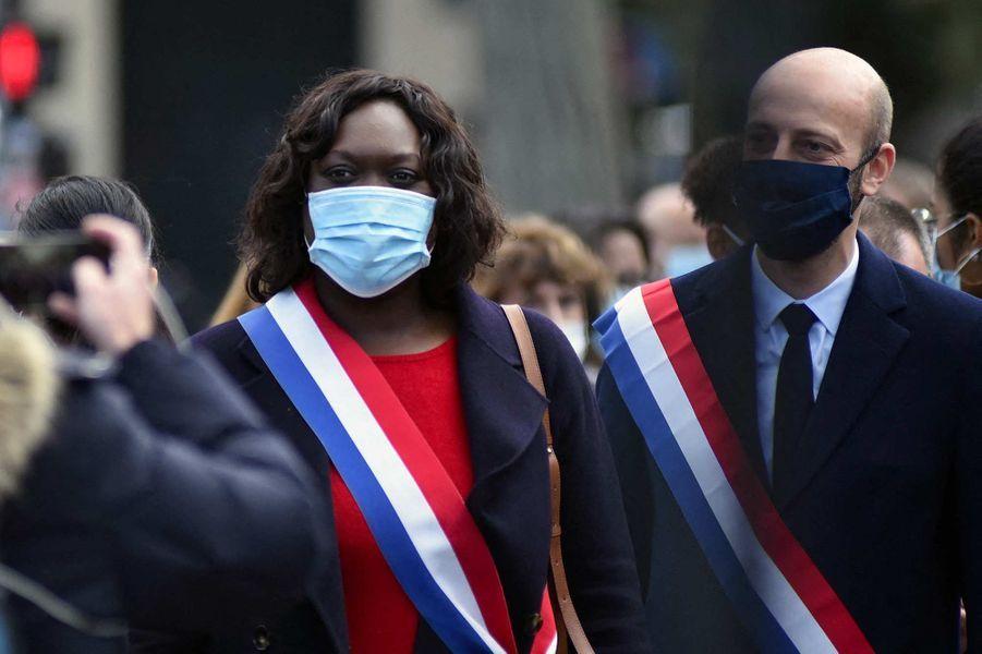 Laëtitia Avia et Stanislas Guérinià l'hommage à Samuel Paty à Paris, le 18 octobre 2020.
