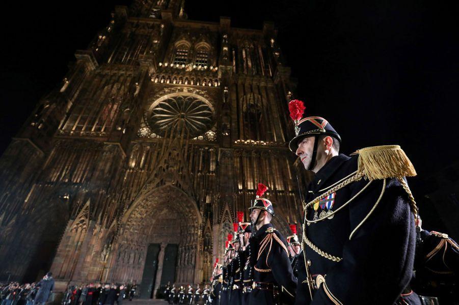 """Le président de la République Emmanuel Macron était à Strasbourg ce dimanche soir.Accompagné de son épouse Brigitte, a assisté avec M. Steinmeier à un concert d'oeuvres de Debussy et Beethoven afin de """"célébrer la réconciliation franco-allemande"""" un siècle après la fin de la guerre 1914-18."""
