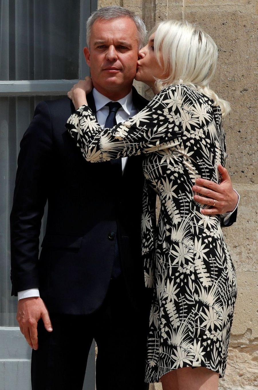 François de Rugy et son épouse Séverine, mercredi lors de la passation de pouvoir.