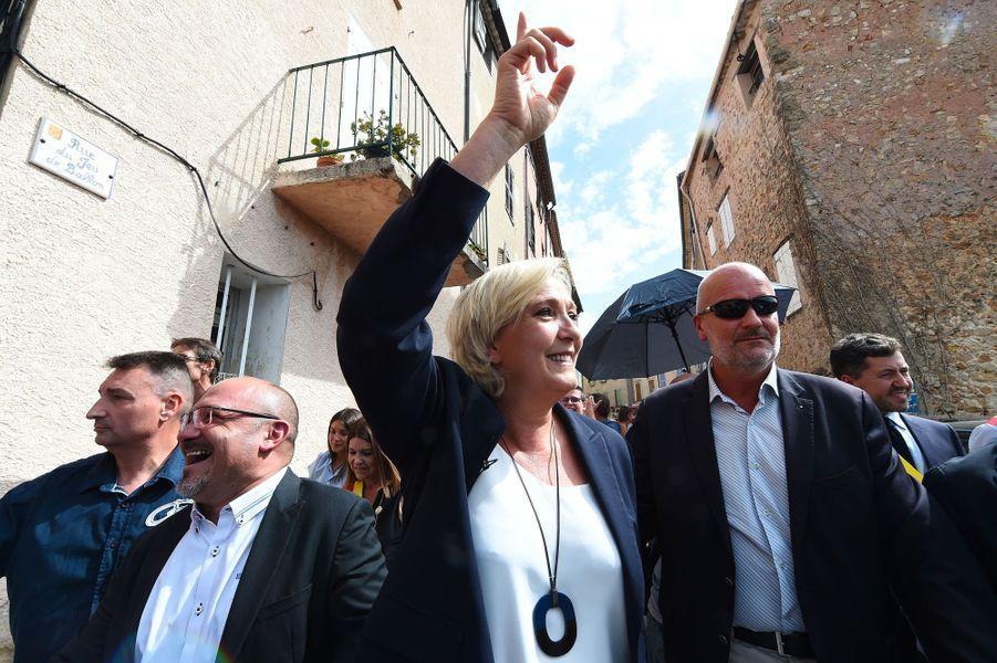 Marine Le Pen à Châteaudouble, dans le Var, mercredi.