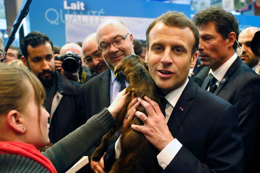 Alexandre Benalla auprès d'Emmanuel Macron le24 février 2018