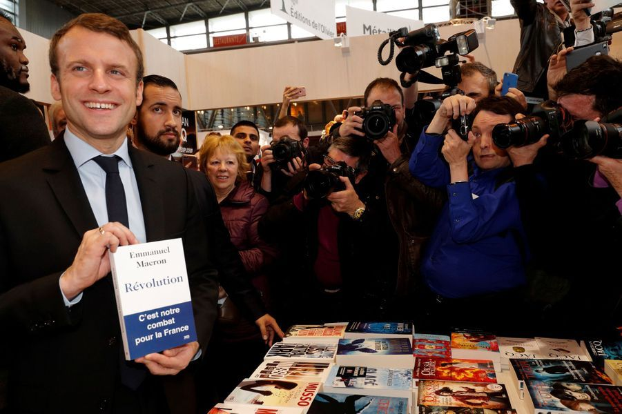Alexandre Benalla auprès d'Emmanuel Macron le24 mars 2017
