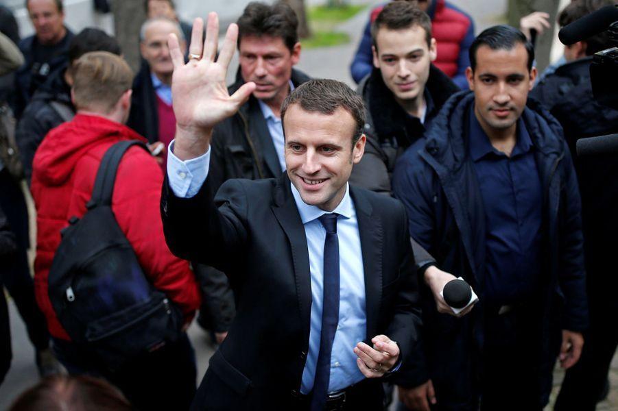 Alexandre Benalla auprès d'Emmanuel Macron le 26 octobre 2016