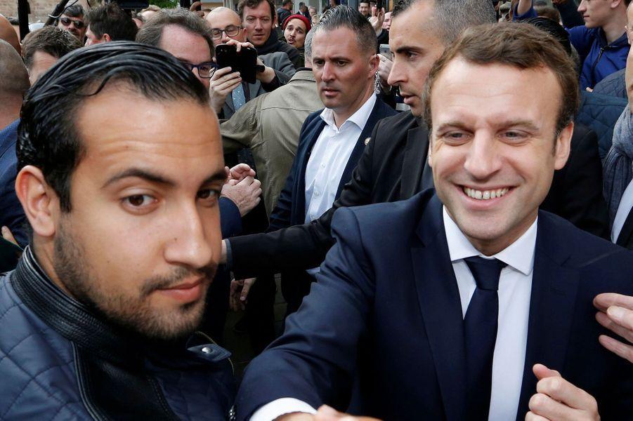 Alexandre Benalla auprès d'Emmanuel Macron le 5 mai 2017