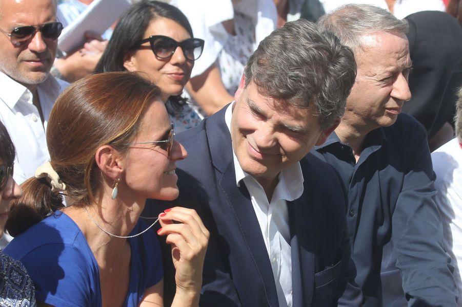 Arnaud Montebourg et sa compagne jour de l'annonce de sa candidature à la présidentielle, lors de la Fête de la Roseà Frangy-en-Bresse, en août 2016.