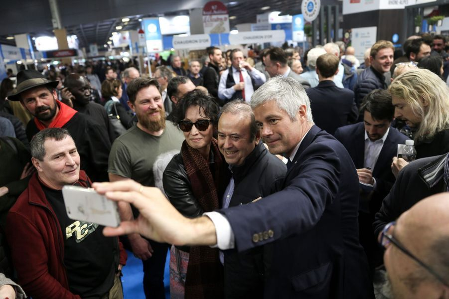 Séquence selfie pour Laurent Wauquiez, en visite mardi.
