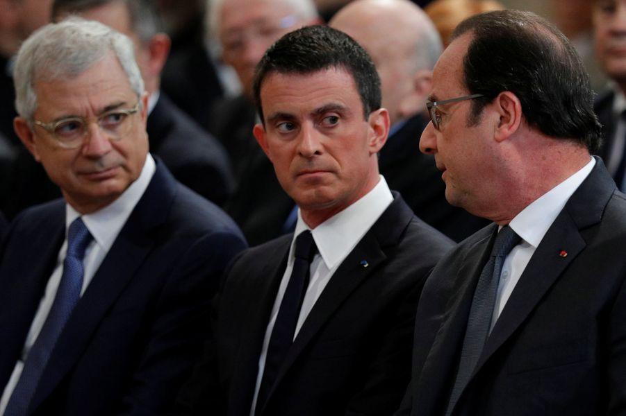 Claude Bartolone, Manuel Valls et François Hollande à l'hommage à Michel Rocard, à Paris.