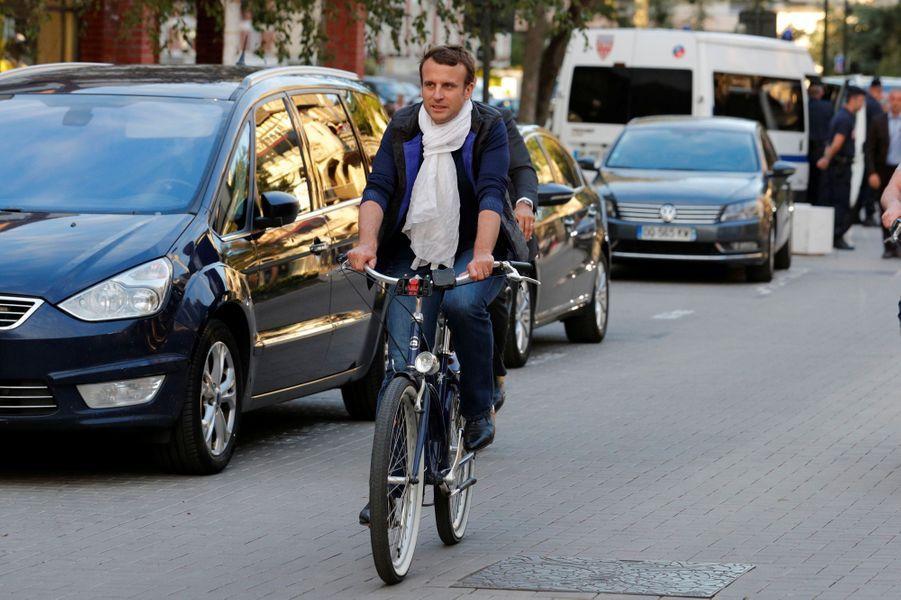 Balade à vélo au Touquet pour le président de la République.