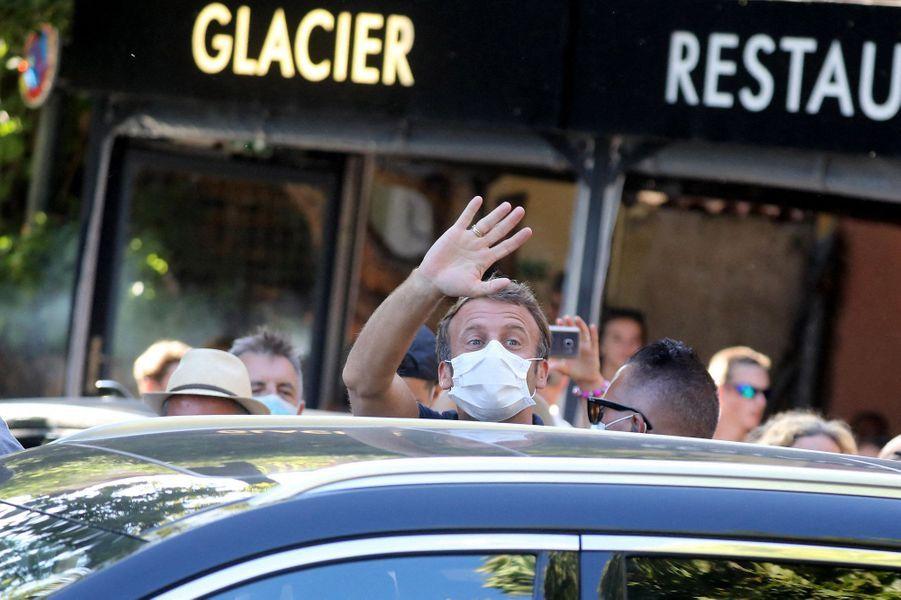Emmanuel Macron, lundi à Bormes-les-Mimosas.