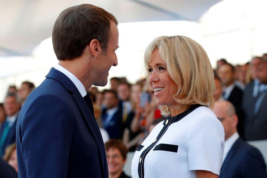 Brigitte Macron lors du défilé du 14 juillet sur les Champs-Elysées à Paris.