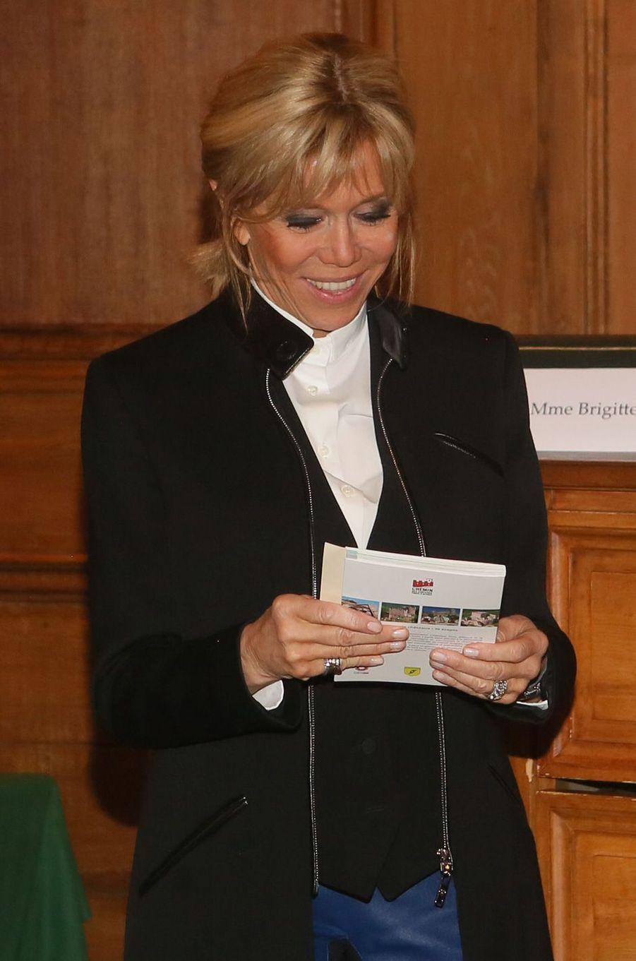 Brigitte Macron jeudi soir lors de la remise desPrix de la «Fondation Stéphane Bern pour l'Histoire et le Patrimoine», à l'Institut de France.