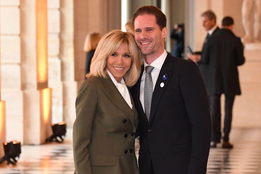 A Versailles, Brigitte Macron retrouve Gauthier Destenay,le mari du Premier ministre du LuxembourgXavier Bettel.