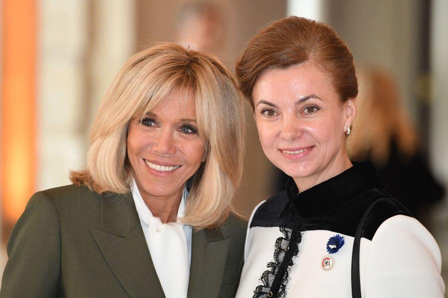 Brigitte Macron avecGalina Dodon, Première dame moldave.