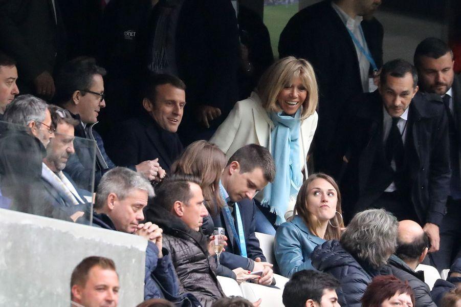Le couple Macron assiste au stade Vélodrome à la rencontre OM-Dijon, en avril 2017.