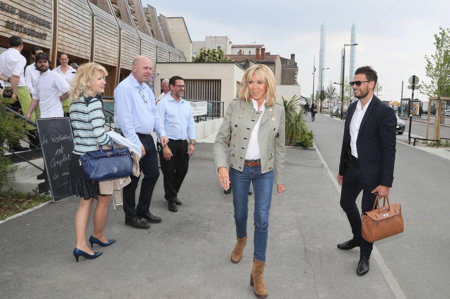 Brigitte Macron jeudi au restaurant solidaire «Le Jardin Pêcheur»